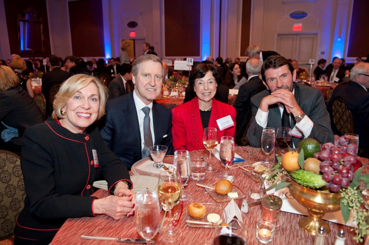 The Hon. Barbara Franklin, the Hon. William Cohen, the Hon. Carla Hills, and Cargill Vice Chairman Paul Conway enjoy the evening event.